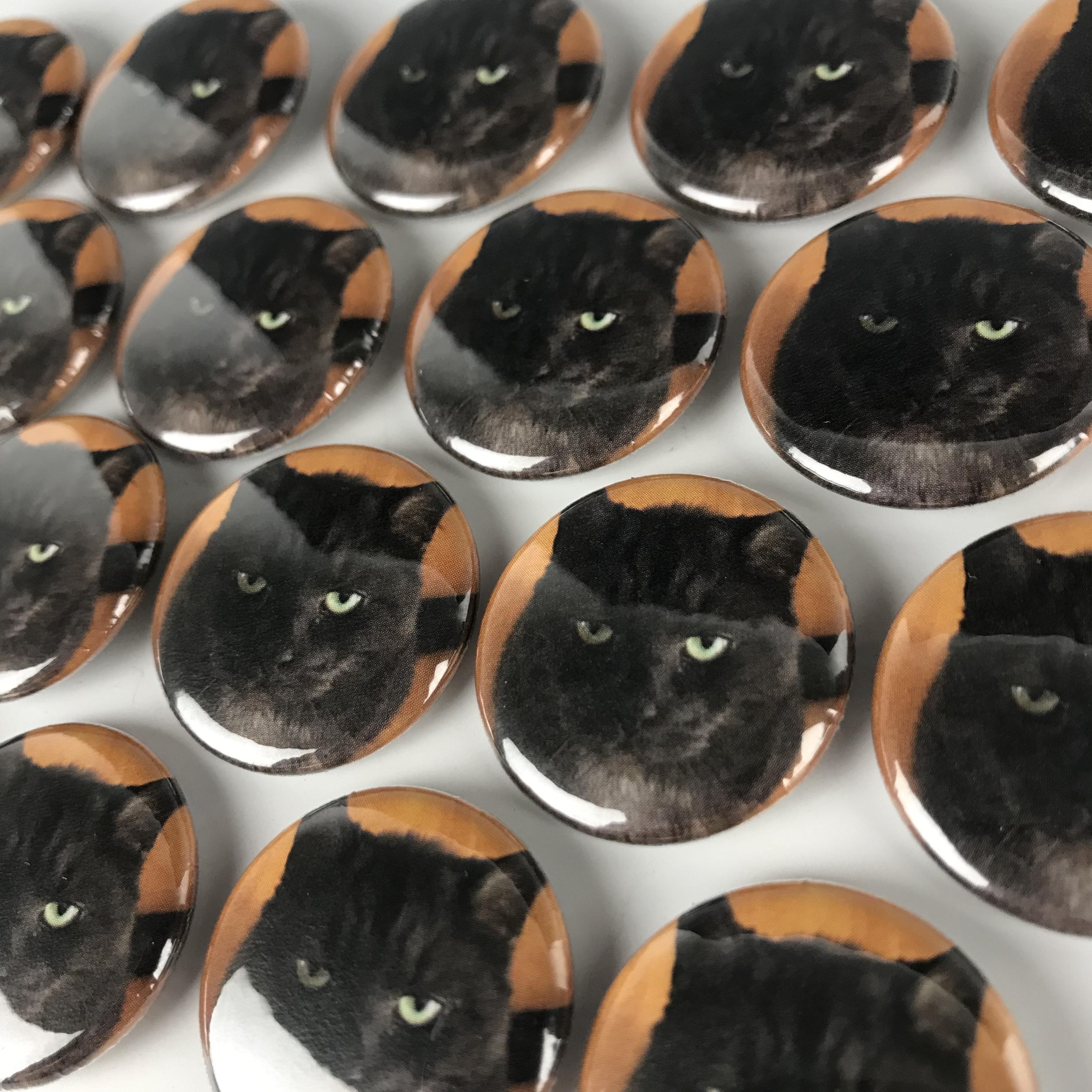 e7a47dcc10e78 1 Inch Round Custom Buttons | Custom Buttons - 24HourWristbands.Com